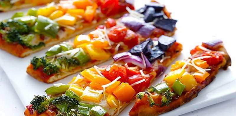 Rainbow-Veggie-Flatbread-Pizza-1.jpg