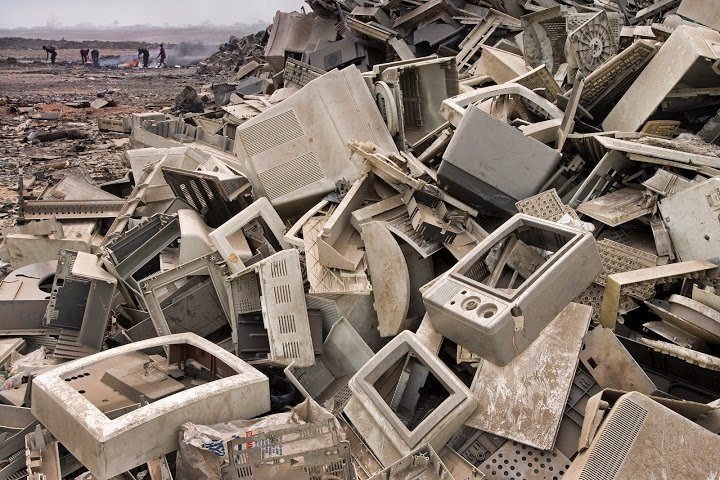 Trashing-the-Planet-Computer-Dump.jpg
